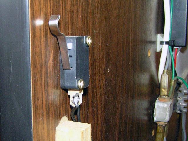 Lowboy arcade cabinet - Interior lighting door switch